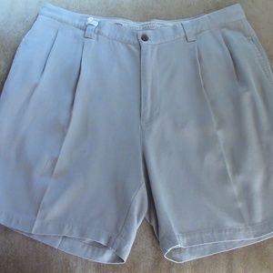 Tommy Bahama Mens 100% Silk Shorts Sz 38